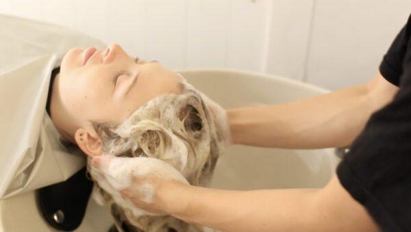 ベッドスパの効果は頭皮の健康だけじゃない! 眼精疲労やストレスにも効く癒しのヘッドスパを表参道で!